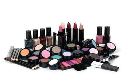 die verschiedensten Materialien, die im Kosmetikstudio zum Einsatz kommen
